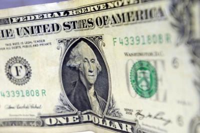 Dólar cai e bolsa bate recorde no primeiro dia do governo Bolsonaro