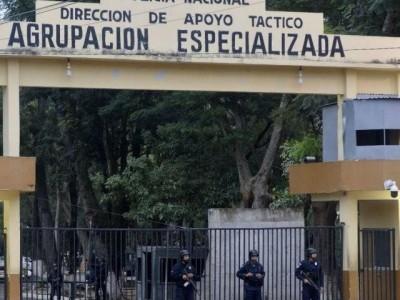 Paraguai transfere quatro presos de quartel onde brasileiro matou mulher