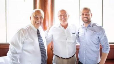 Dr. Zé Carlos e vereador Gilberto prestigiam posse do deputado Londres Machado
