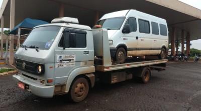 Fiscalização retira de circulação micro-ônibus não autorizado de transporte de trabalhadores de Dourados para Caarapó