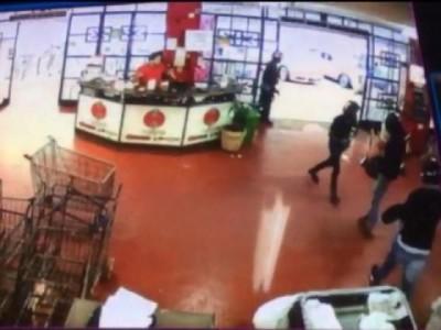 VÍDEO: Clientes do Supermercado Nippon ficam na mira de 4 bandidos durante assalto em Ponta Porã
