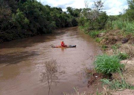 Bombeiros de Caarapó retomam buscas por criança de 11 anos que se afogou no Rio Piratini