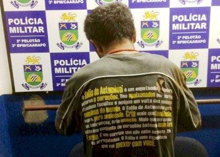 PM prende homem após agredir vítima com pedaço de ferro em Caarapó