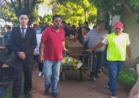 Despedida do jornalista Léo Veras tem missa e cortejo até cemitério de Ponta Porã