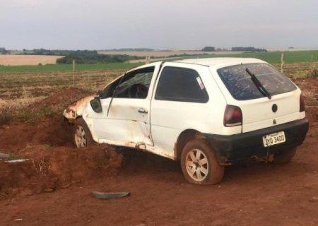 Motorista morre após capotar carro em estrada vicinal na BR-463 em Ponta Porã