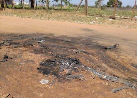 Polícia aguarda exame de DNA para identificar corpo queimado na fronteira