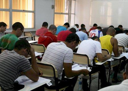 Concursos públicos oferecem 475 vagas e salários de até R$ 18,5 mil em MS