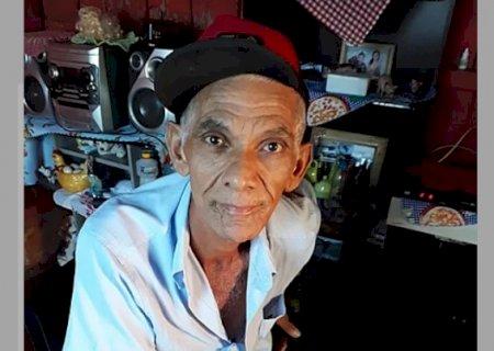 Morador em Vicentina, Zezinho Pedreiro, que amputou perna após acidente precisa de sua ajuda para comprar prótese e voltar a trabalhar
