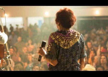 Documentários sobre Delinha e dupla Beth e Betinha são exibidos nesta quarta no Autocine na capital