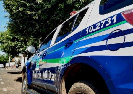 Rapaz é morto a tiros após atacar mulher e irmã e partir para cima de PMs com faca na capital
