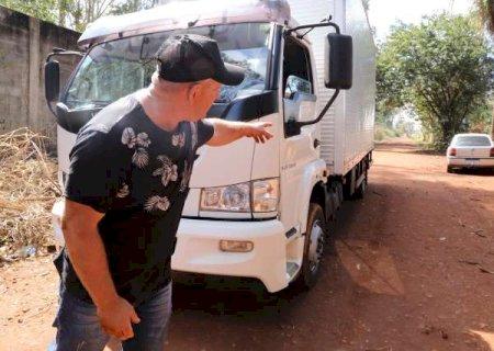"""Vítima de falso frete, caminhoneiro """"renasceu"""" 4 dias antes do aniversário"""