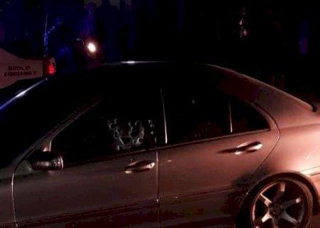 Homem é executado ao parar com Mercedez em semáforo na fronteira