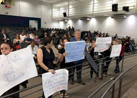 TJ confirma decisão e proíbe troca de professores de alunos com deficiência
