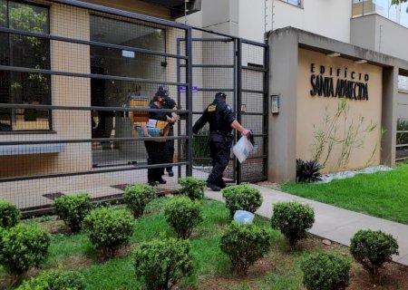 Gaeco deixa edifício com documentos apreendidos após mais de 5h