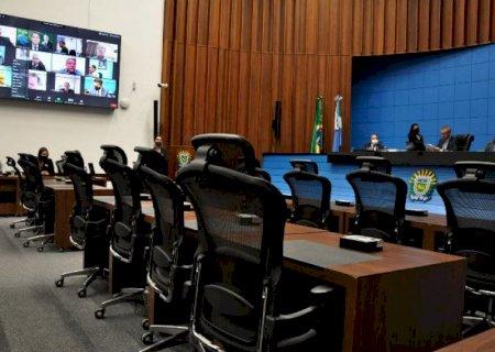 Com 04 deputados sendo candidatos a prefeito, veja quem entra se caso ganharem as eleições