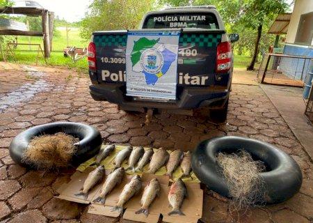 Em Fátima do Sul, PMA apreende redes, pescado e boias de infratores que praticavam pesca predatória