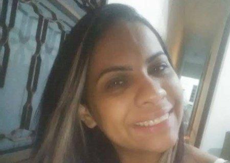 Mulher que morreu após bater em árvore tinha 33 anos