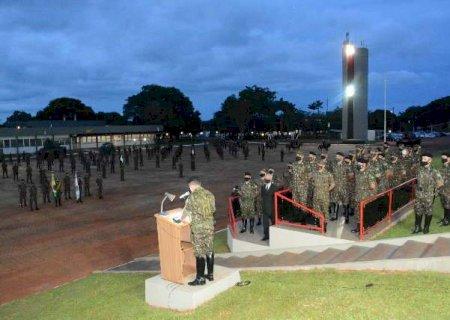 Com formaturas lotadas, militares temem covid-19 na Cavalaria