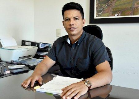 Júlio Buguelo quer auxílio emergencial para pequenos empresários que sofrem com a pandemia no município