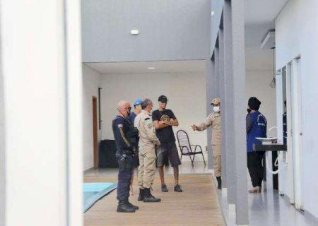 Fiscais acabam com festa de aniversário e interditam espaço em Campo Grande