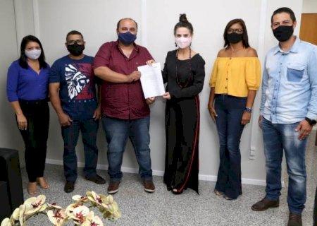 Deputada Mara Caseiro vai interceder para que escola seja reformada em Vicentina