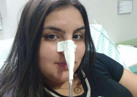 Agravamento da pandemia interrompe sonho de estudante de Deodápolis em tratar doença rara
