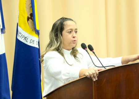 Lia Nogueira denuncia falha em escala de  plantão na UPA e caso vai parar na polícia em Dourados