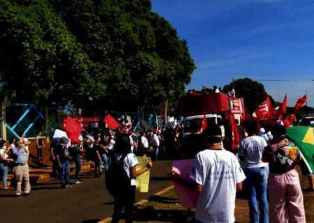 No ato \'Fora Bolsonaro\' em Campo Grande, manifestantes pedem vacinas e criticam Bolsonaro