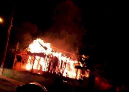 Polícia continua investigações e incêndios são tratados como retaliação a operação