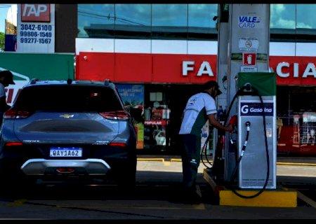Mesmo com a disparada, abastecer com gasolina ainda é mais vantajoso em MS