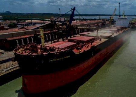 Quebra na Safrinha faz JBS importar 30 navios de milho argentino