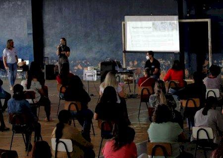 Servidores municipais passam por capacitação para o retorno de aulas na Capital