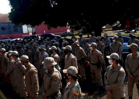 Mais 100 bombeiros são enviados para combate aos incêndios no Pantanal