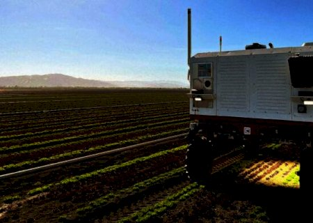 "Robô substitui agrotóxicos por laser para remover ""ervas daninhas\'"