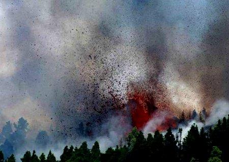 Vulcão que pode causar tsunami no Nordeste entra em erupção na Espanha