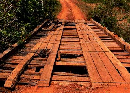 Barbosinha pede recuperação de ponte e estrada que dá acesso a propriedades rurais