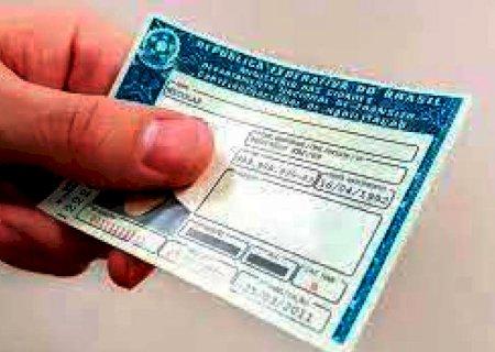 Postar infração de trânsito pode gerar multa de até R$ 30 mil e CNH cassada