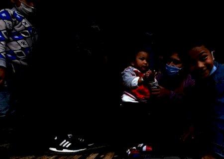 Órfãos da pandemia: 120 crianças poderão receber pensão de 1 salário mínimo em MS